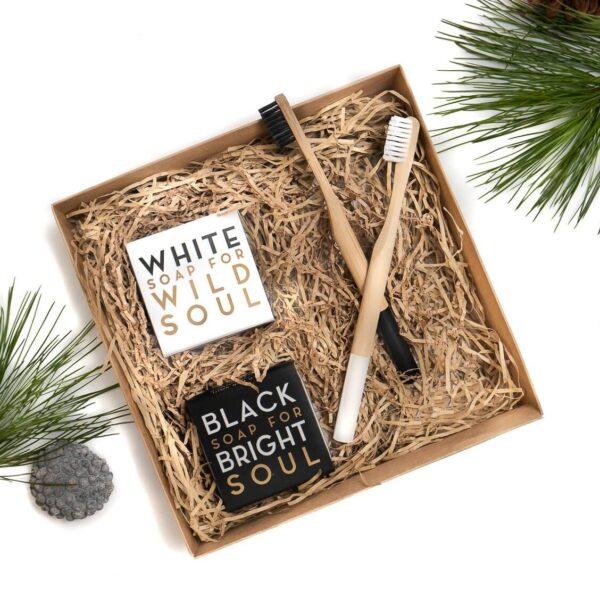 Dovanų rinkinys - natūralūs muilai ir bambukiniai dantų šepetėliai, Veg4U